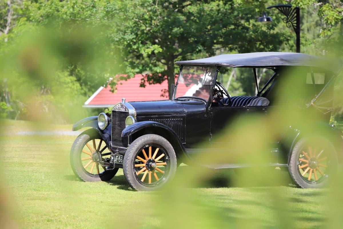 T-mallin Ford vuodelta 1925.