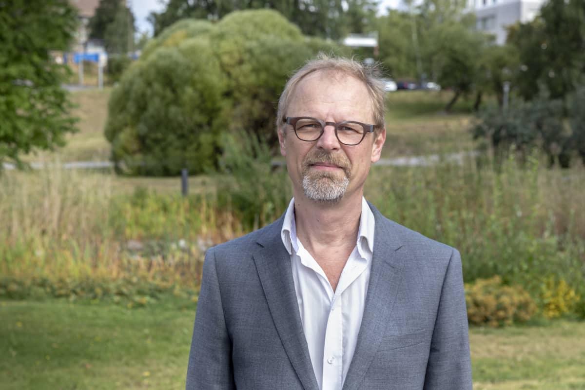 THL:n tutkimusprofessori Sakari Karvonen.