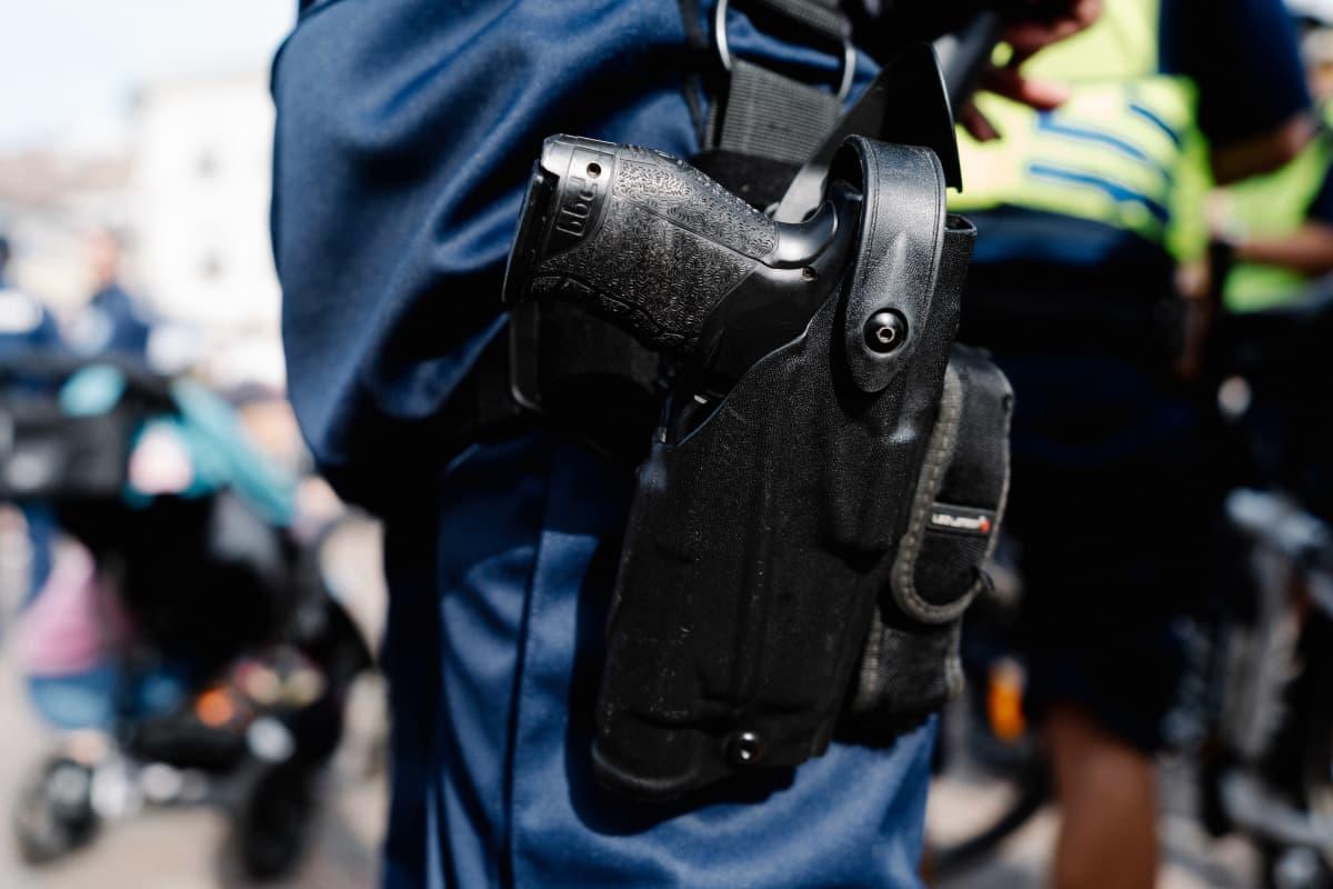 poliisin virka-ase