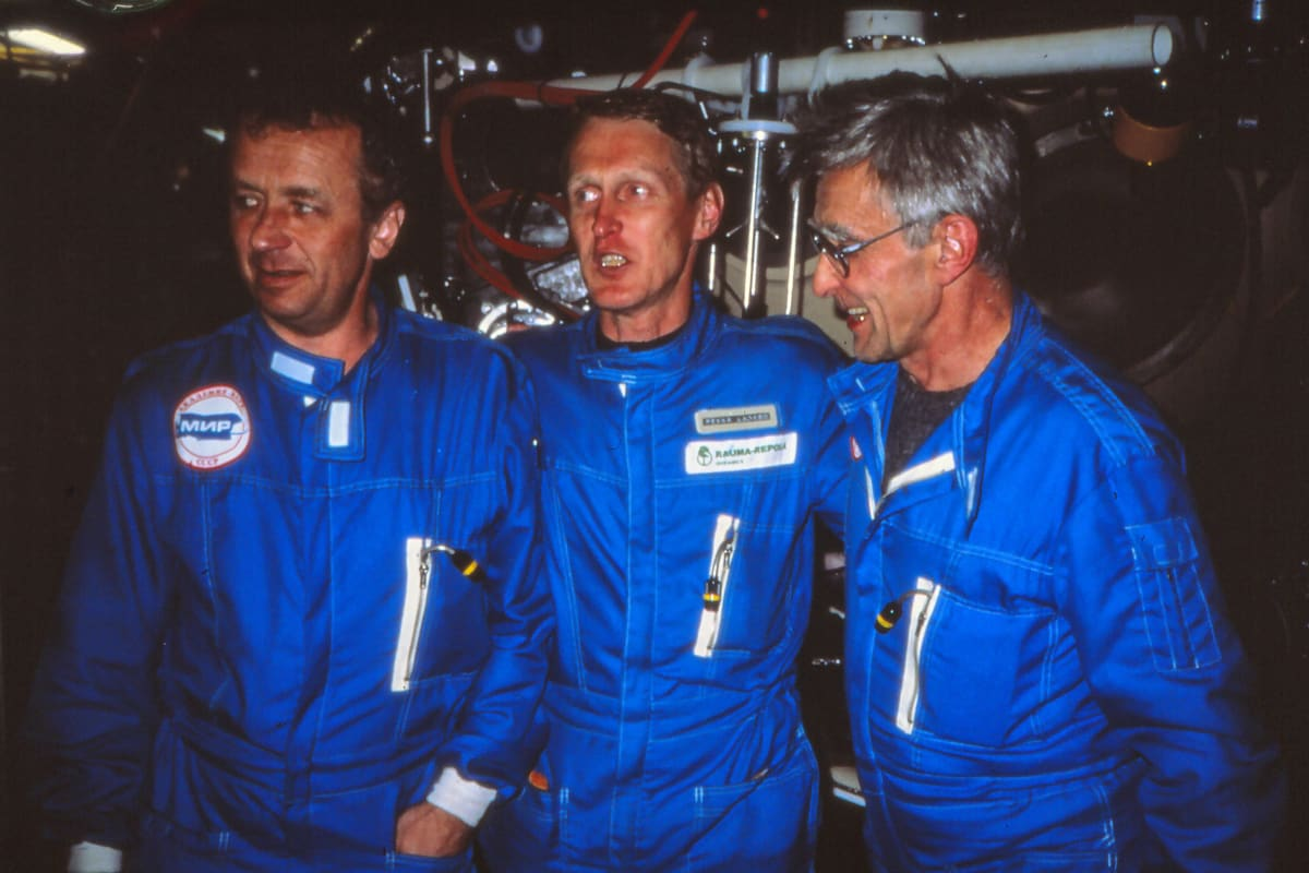 MIR-sukellusaluksen miehistö, tohtori Anatoli Sagalevich, pääpilotti Pekka Laakso ja professori Igor Mikhaltsev.