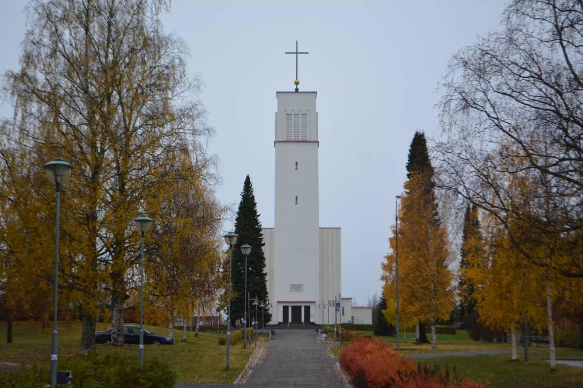 Iisalmen Pyhän Ristin kirkko.