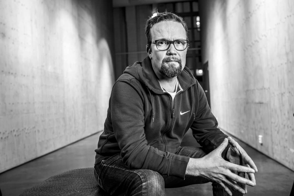 Petteri Summanen kuvattuna Korjaamolla Helsingissä