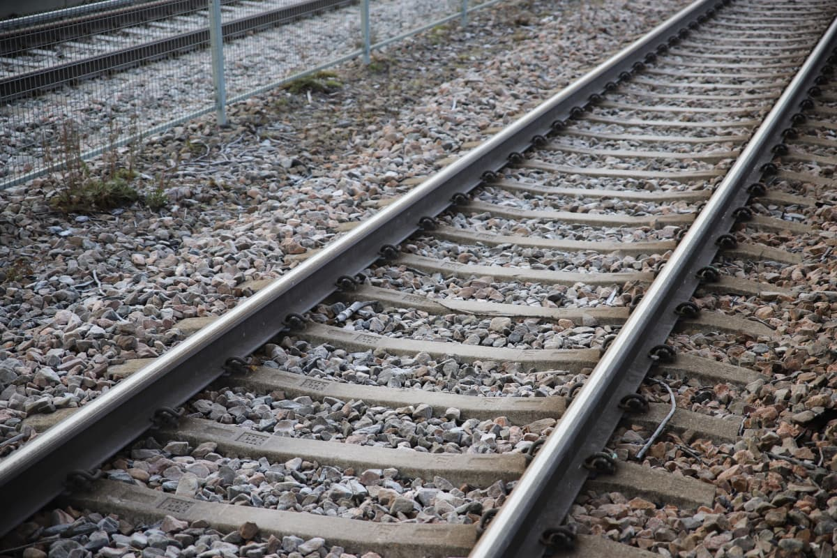 Rautatien kiskot