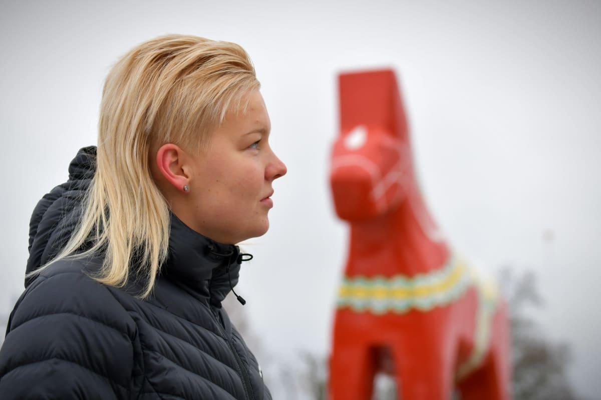 My Kippilä vid en Morahäst i Mora, november 2019.