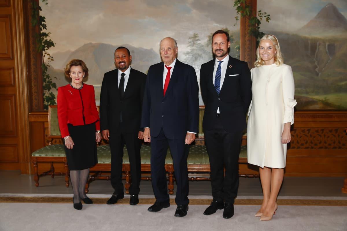 Kuningatar Sonja, Etiopian pääministeri Abiy Ahmed, kuningas Harald, Haakon, Mette-Marit.