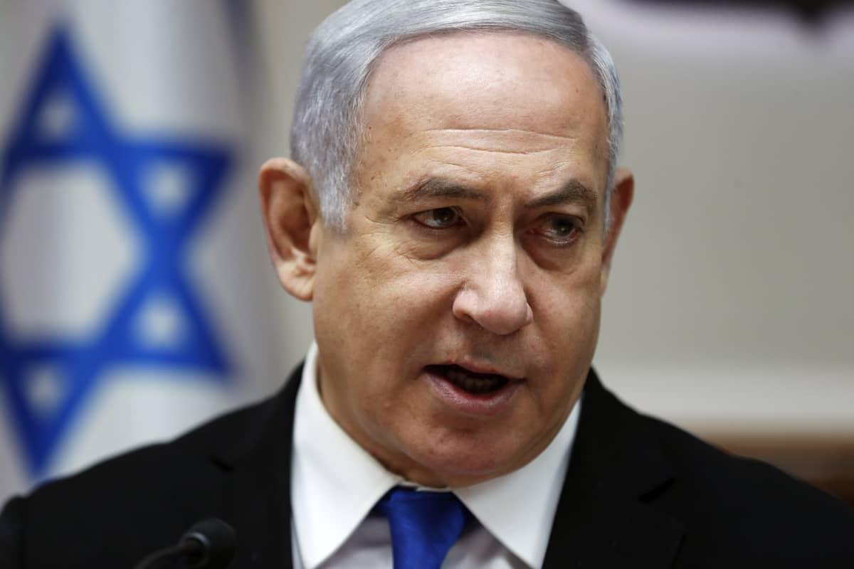 Netanjahu hallituksen istunnossa sunnuntaina.