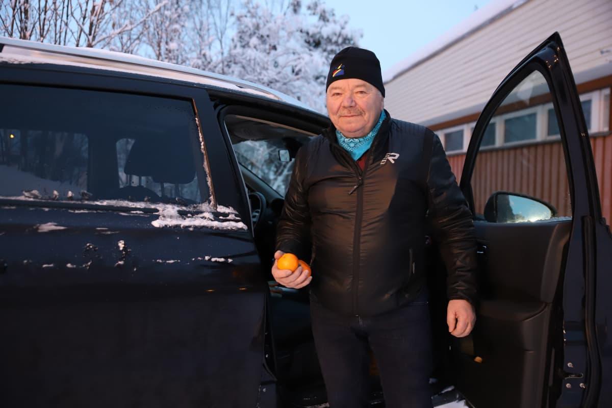 Jouni-Esa Nousuniemi pitää mandariineista ja ostaa niitä useimmiten Norjan kaupoista.