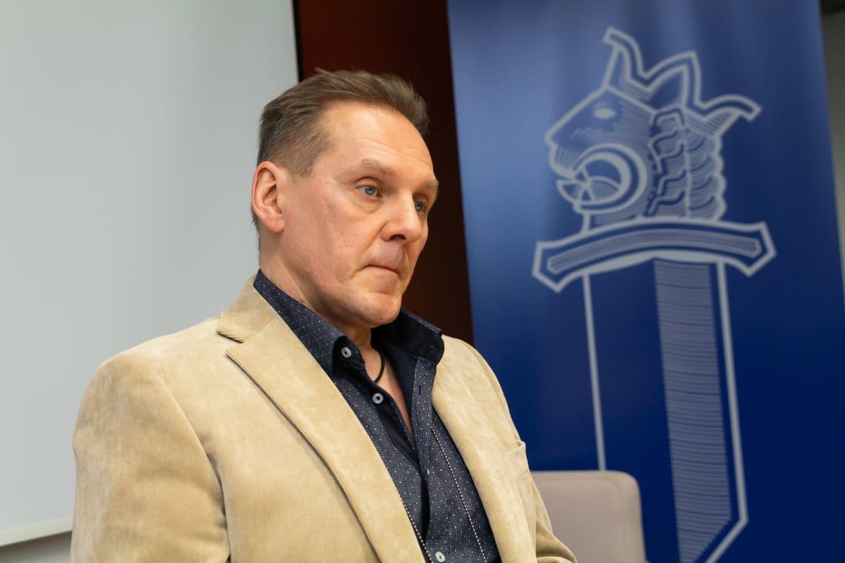 Rikoskomisario Hannu Kortelainen kuvassa.