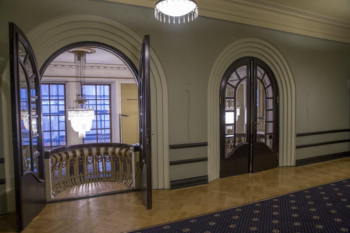 Entisen Hotelli seurahuoneen Englantilainen huone.