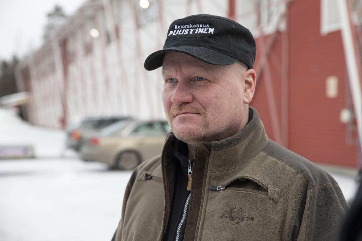 Omatalon pääluottamusmies Pasi Kainulainen.