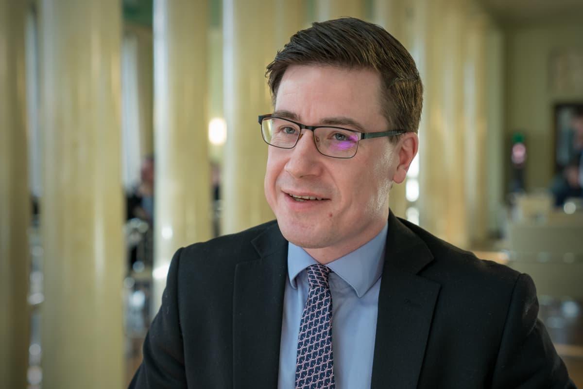 Potrettikuvassa, Pekka Aittakumpu, kansanedustaja, keskusta