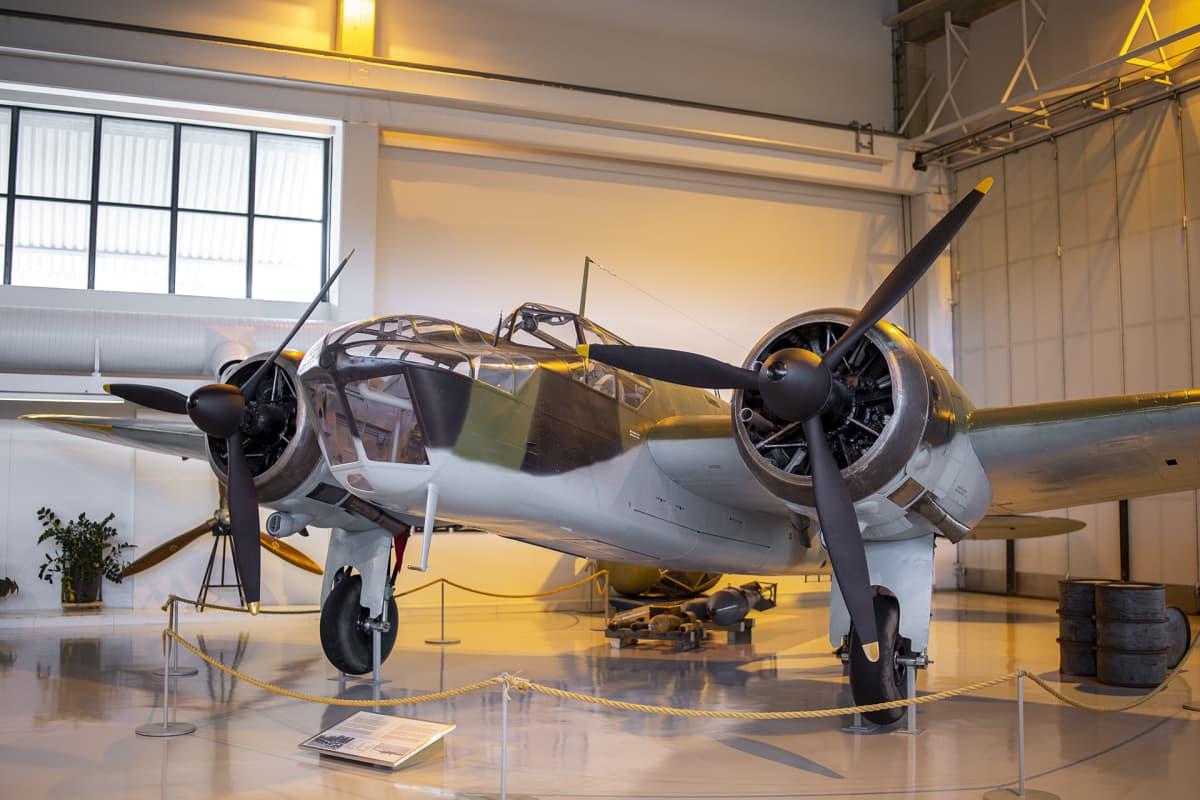 Blenheim lentokone Tikkakosken ilmailumuseossa.
