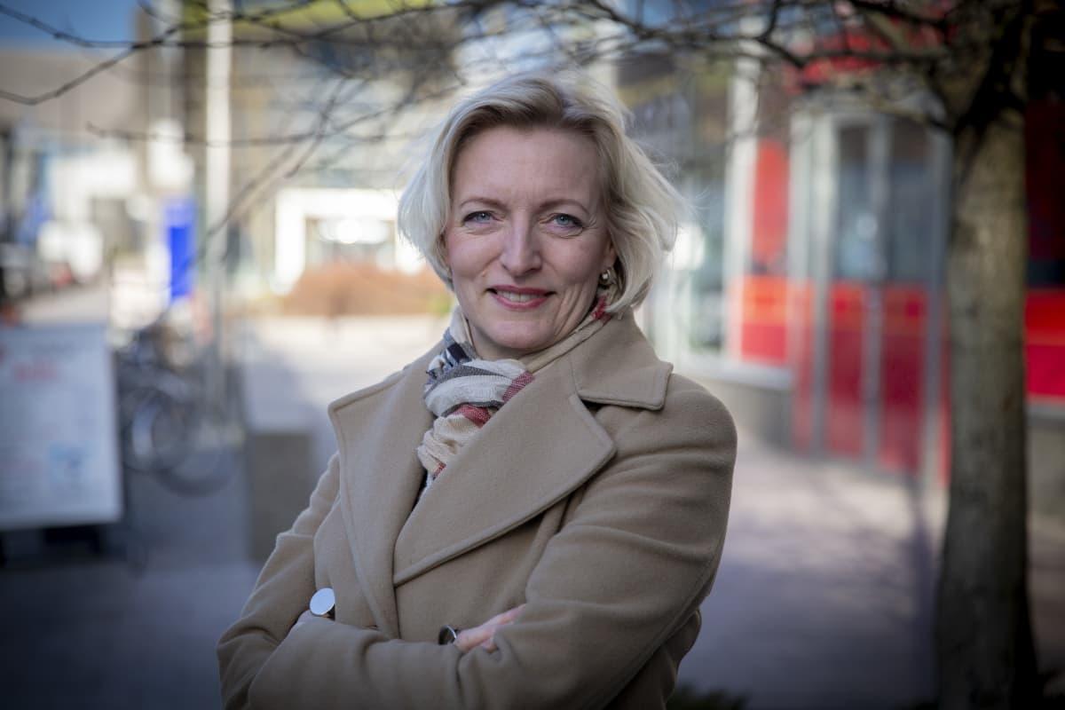 Minna Vanhala-Harmanen on Barona Oy.n toimitusjohtaja.