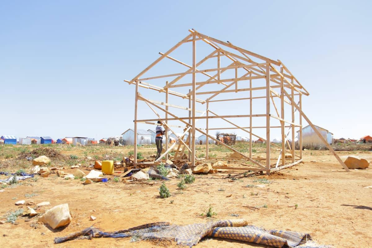 Baidoassa rakennetaan maan sisäisille pakolaisille uusia kyliä, koska he eivät voi palata kotikyliinsä.