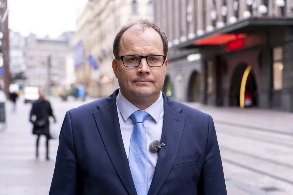 Tomi Lounema, vd vid Försörjningsberedskapscentralen fotograferad på Alexandersgatan i Helsingfors 17 mars 2020.
