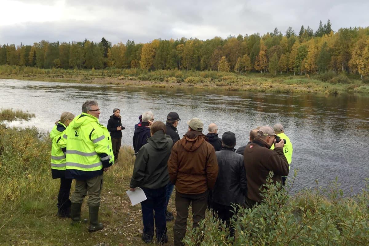 Pohjois-Suomen aluehallintoviraston katselmus Soklin alueella vuonna 2015. Kuvan joki on Kemijoki.