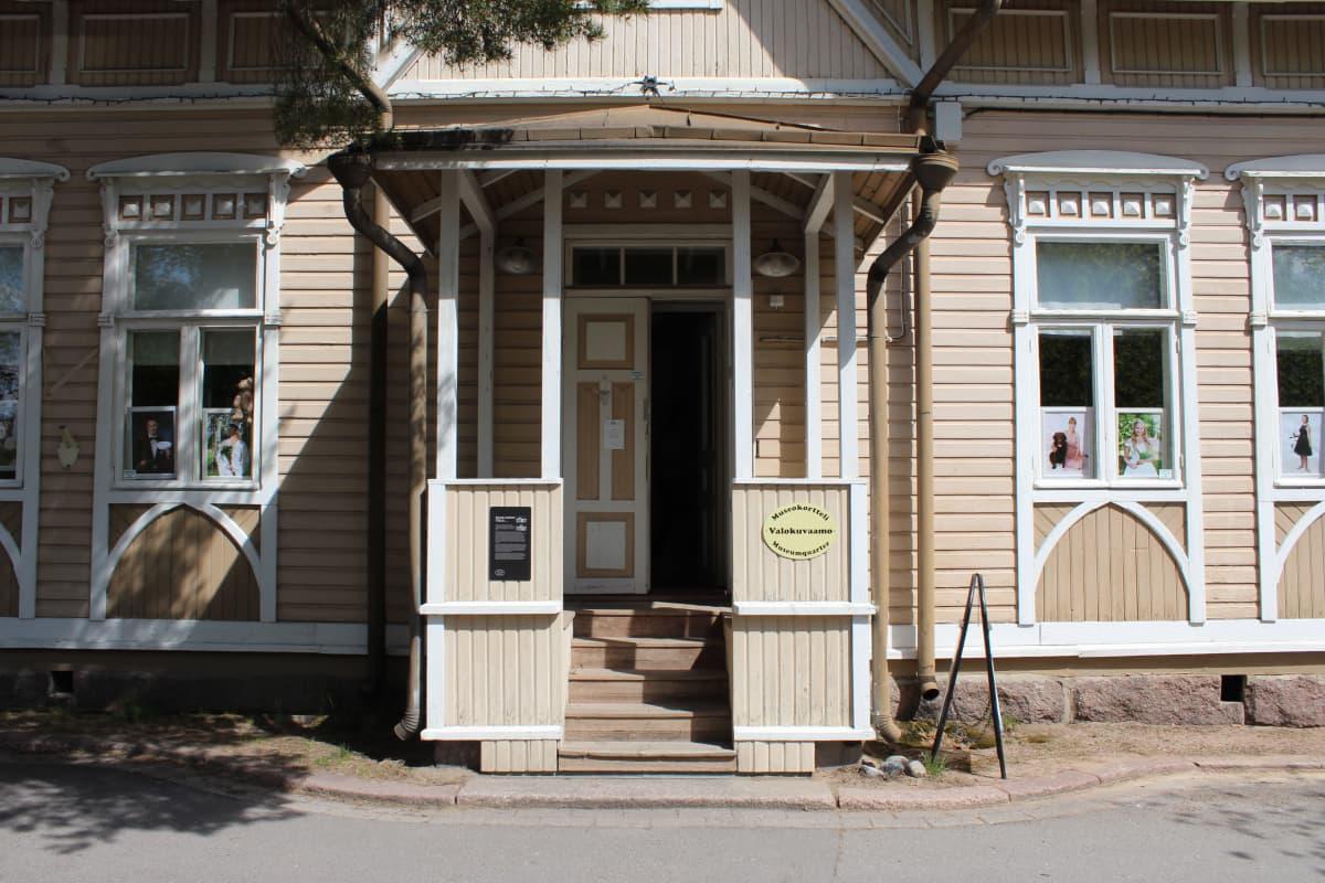 Kouvolan museokorttelin vanha apteekkimuseo