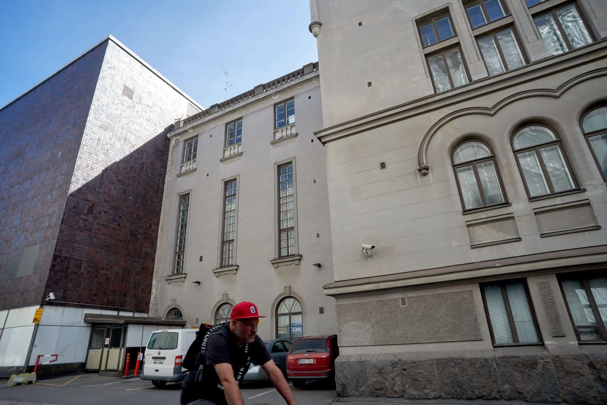 Suomen kansallisteatteri ja 30-luvun väliosa