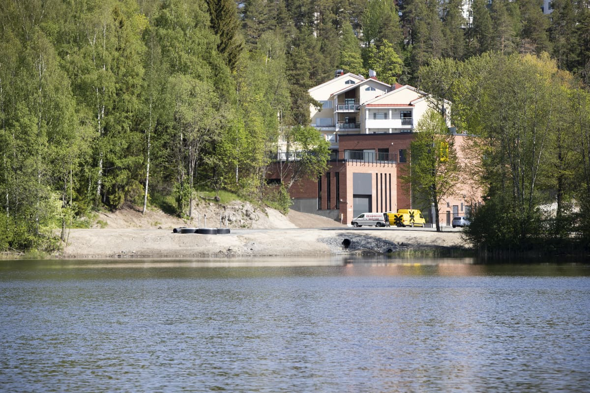 Kuopion Energian kesäkuussa 2020 avattu kaukojäähdytyslaitos Kuopion Savilahdessa.
