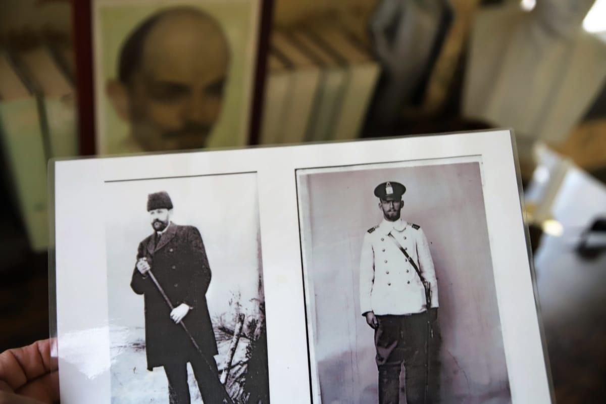 Leninin kaksi avustajaa