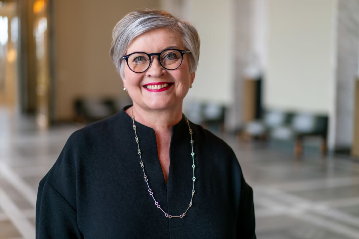 Eduskunnan puhemies Anu Vehviläinen.