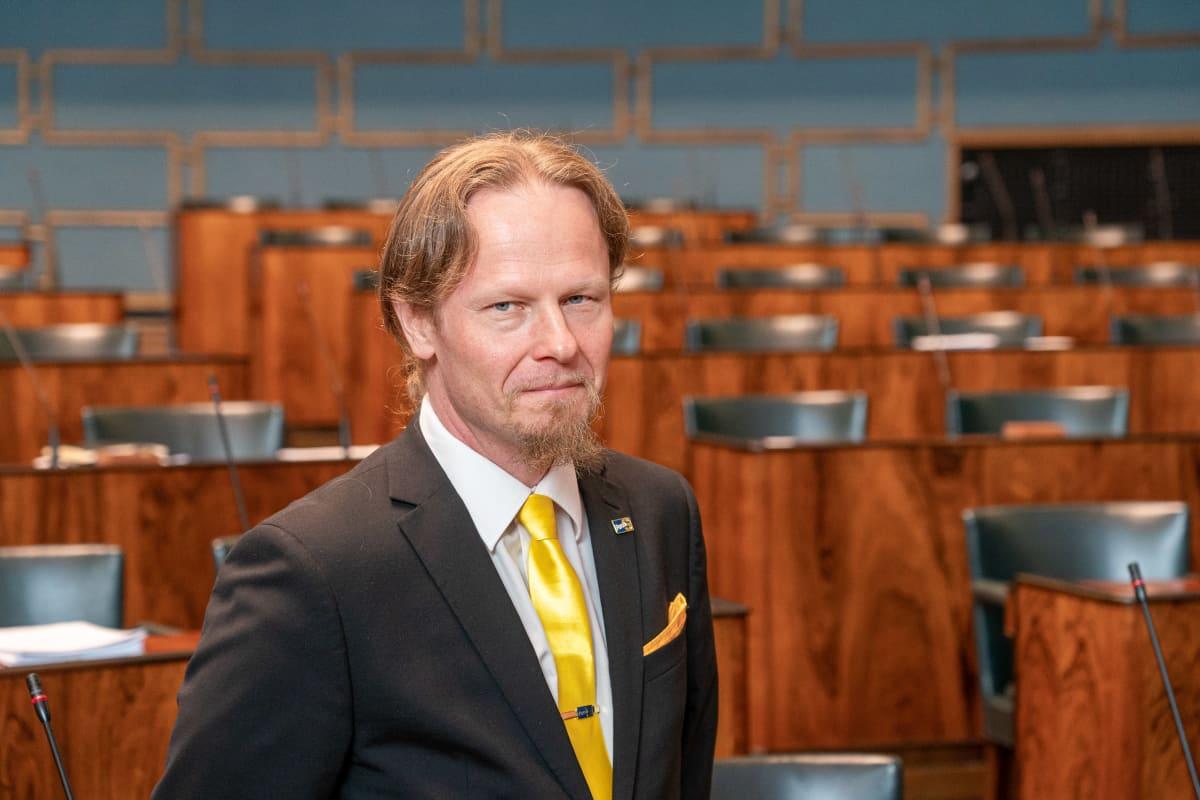 Eduskunnan toinen varapuhemies Juho Eerola.