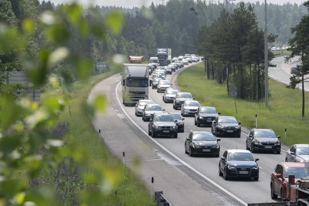 Lahden moottoritien juhannusruuhka 2020