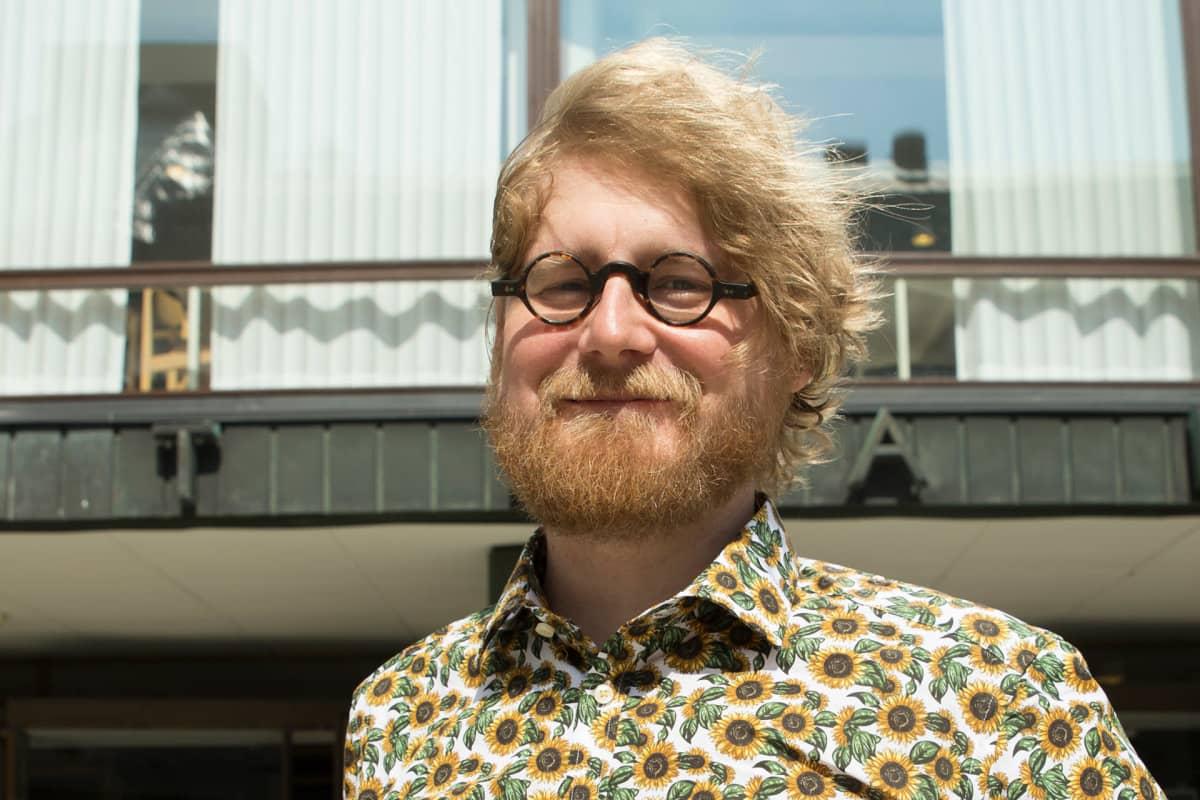 Julkisoikeuden apulaisprofessori Pauli Rautiainen.