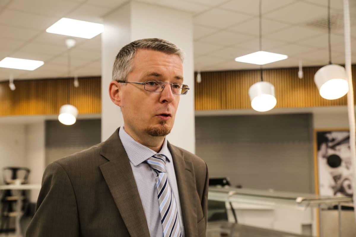 Tomi Voutilainen, julkisoikeuden professori Itä-Suomen yliopisto