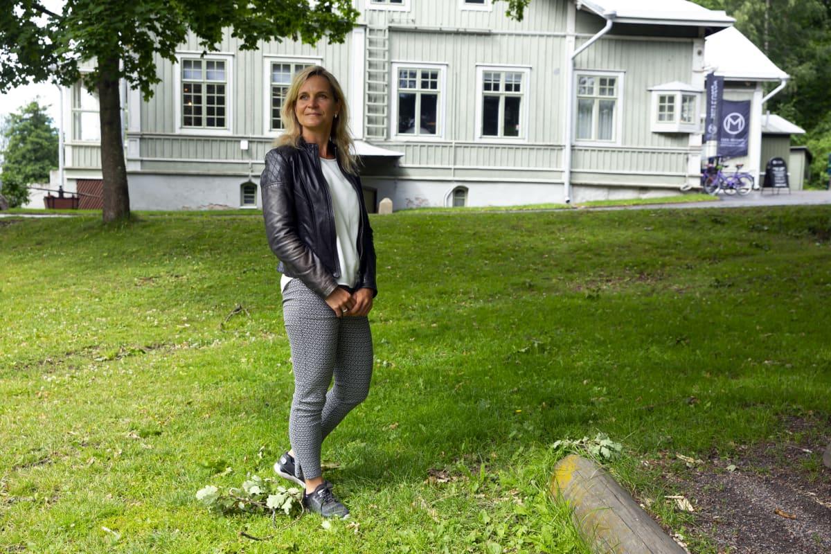 Gynekologi Elina Holopainen.