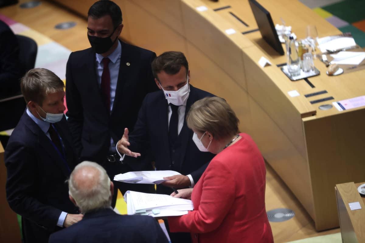 EU-huippukokous Brysselissä heinäkuussa 2020.