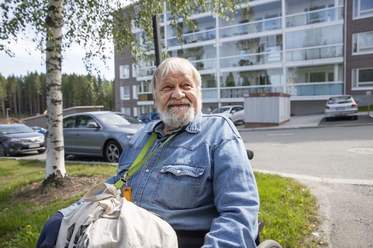 kuopiolainen Pertti Savolainen