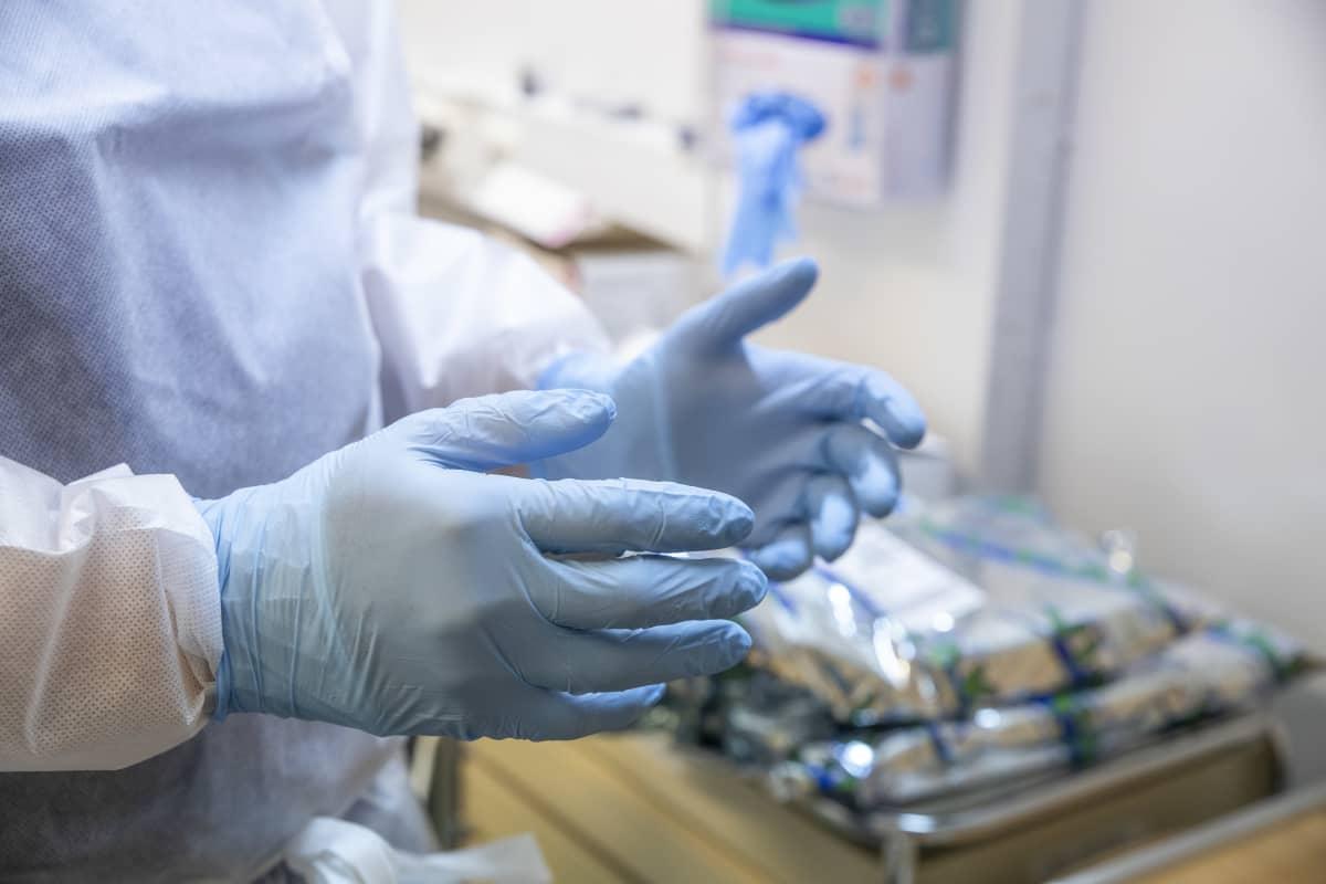 kumihanskat käsissä