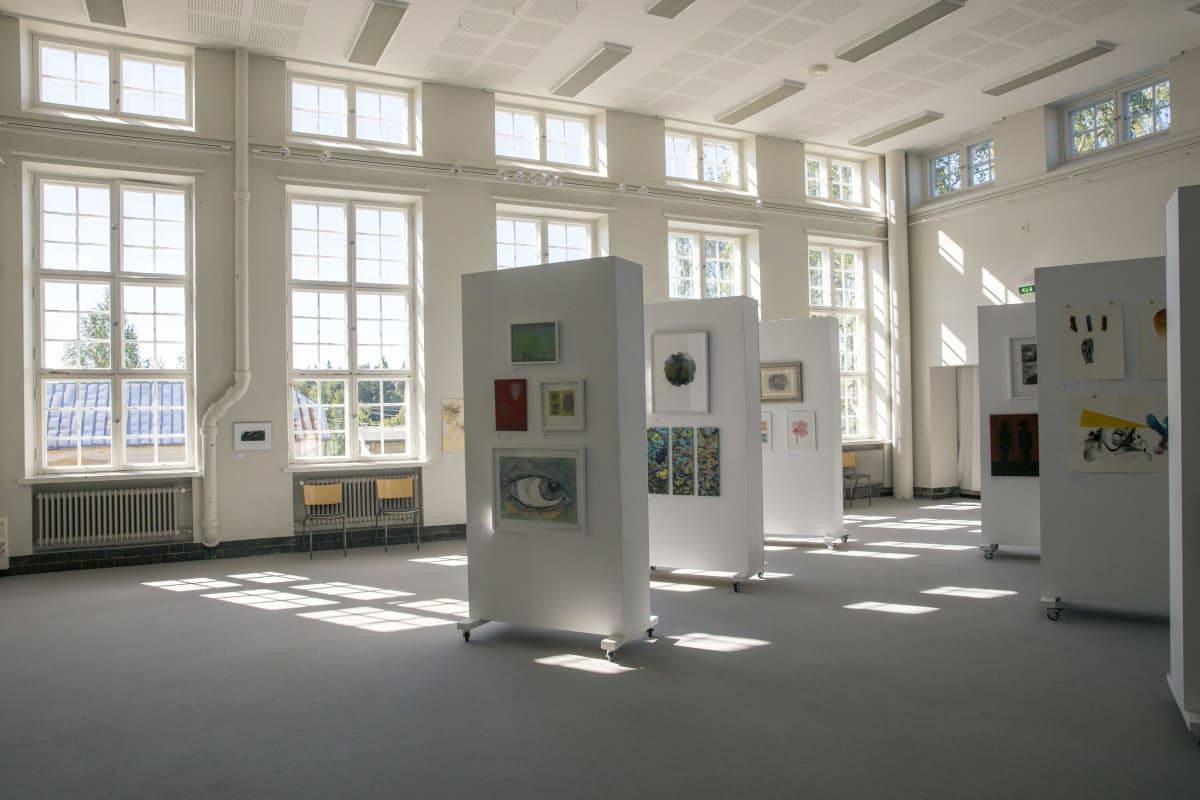 Nikkilän sairaalan pesularakennus, jossa nykyään on taidegalleria.