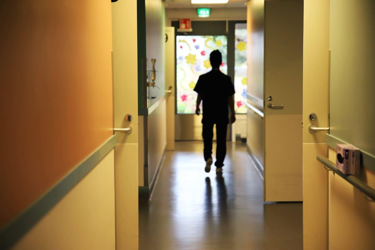 Anonyymi lähihoitaja Jaalan palvelukeskussa Kouvolassa.