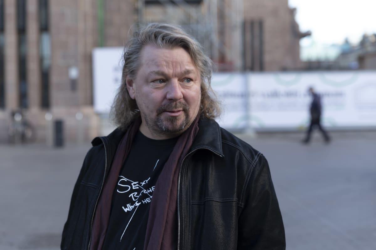 Aseman Lapset ry:n hankepäällikkö Heikki Turkka.