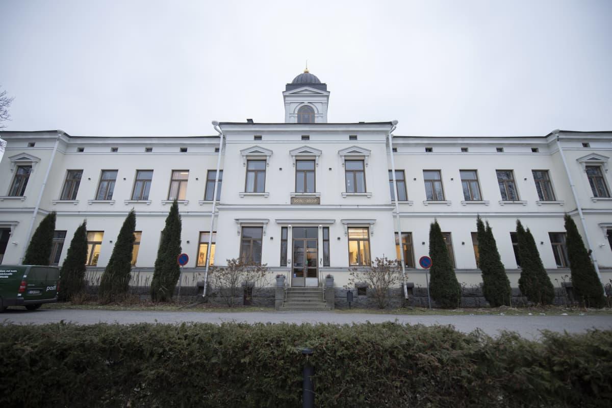 Pitkäniemen psykiatrisen sairaalan päärakennus