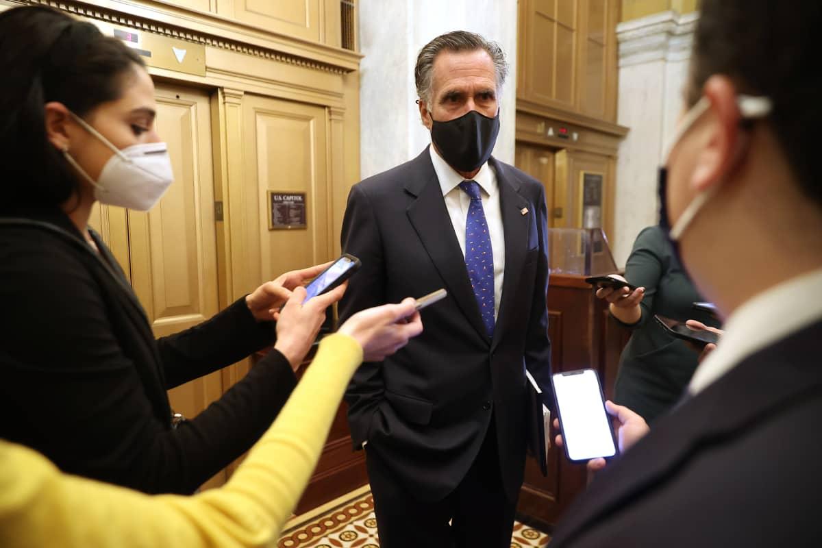 Republikaanien Mitt Romney oli yksi kuudesta republikaanisenaattorista, jotka äänestivät Trumpin virkarikosoikeudenkäynnin perustuslaillisuuden puolesta.