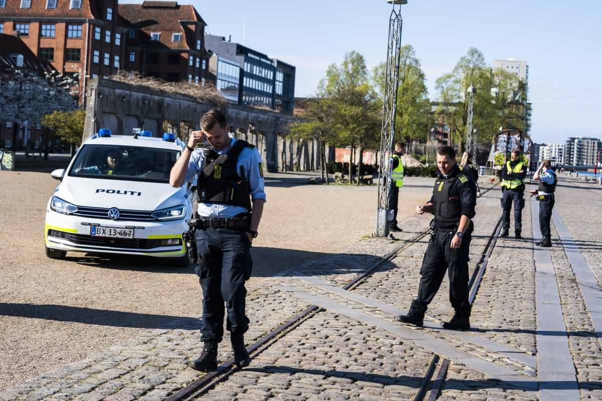 poliiseja