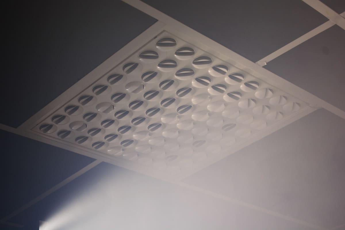 Ilmastointilaite on suunnattava oikein, jotta virus pystytään ohjaamaan oikein.