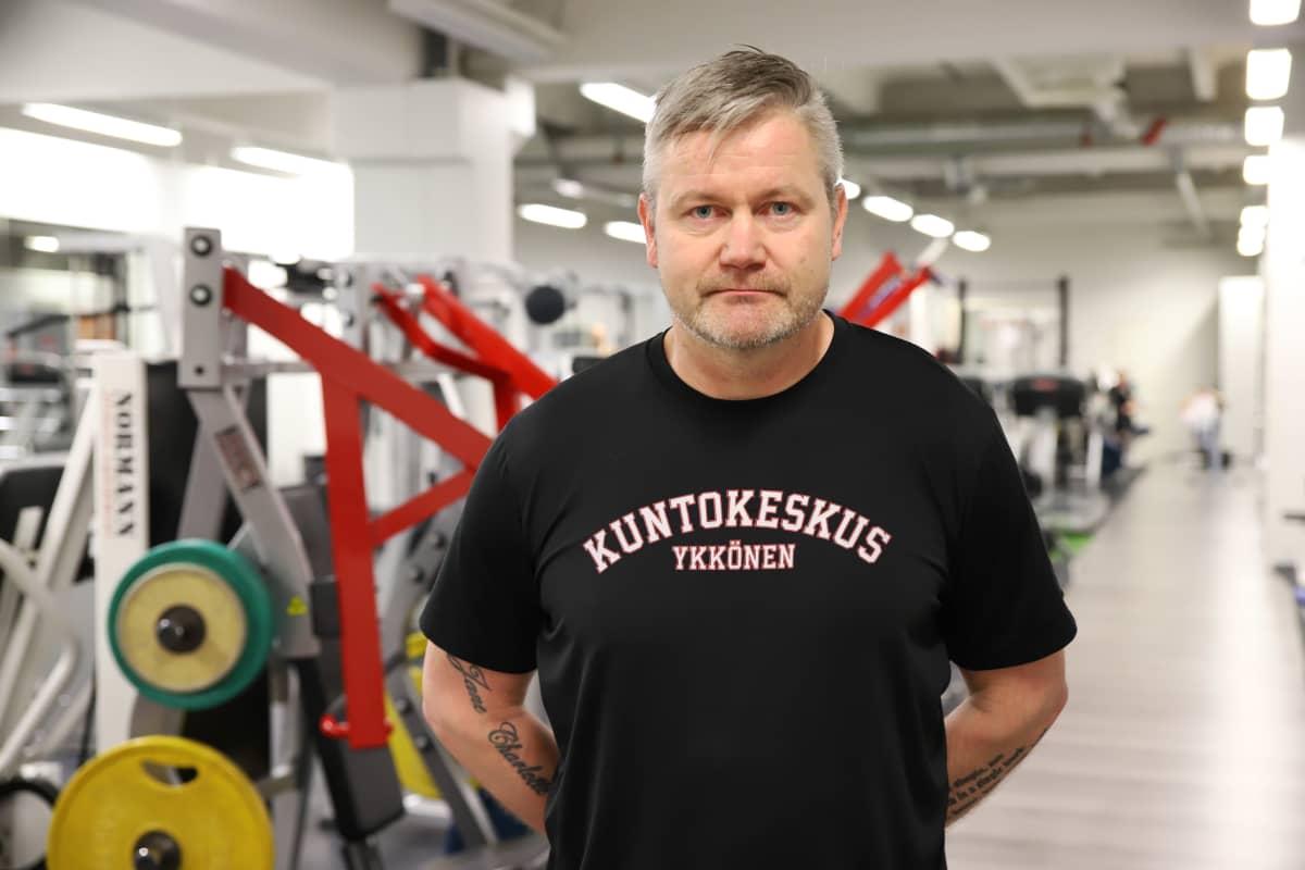 Kuntosaliyrittäjä Janne Patjas Kuntokeskus Ykkösessä Kouvolassa.