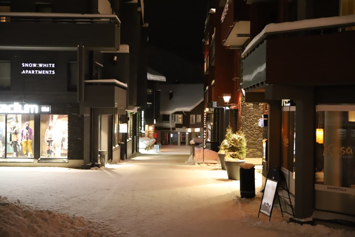 Levin hiljaista iltaelämää hiihtolomien aikaan 2021