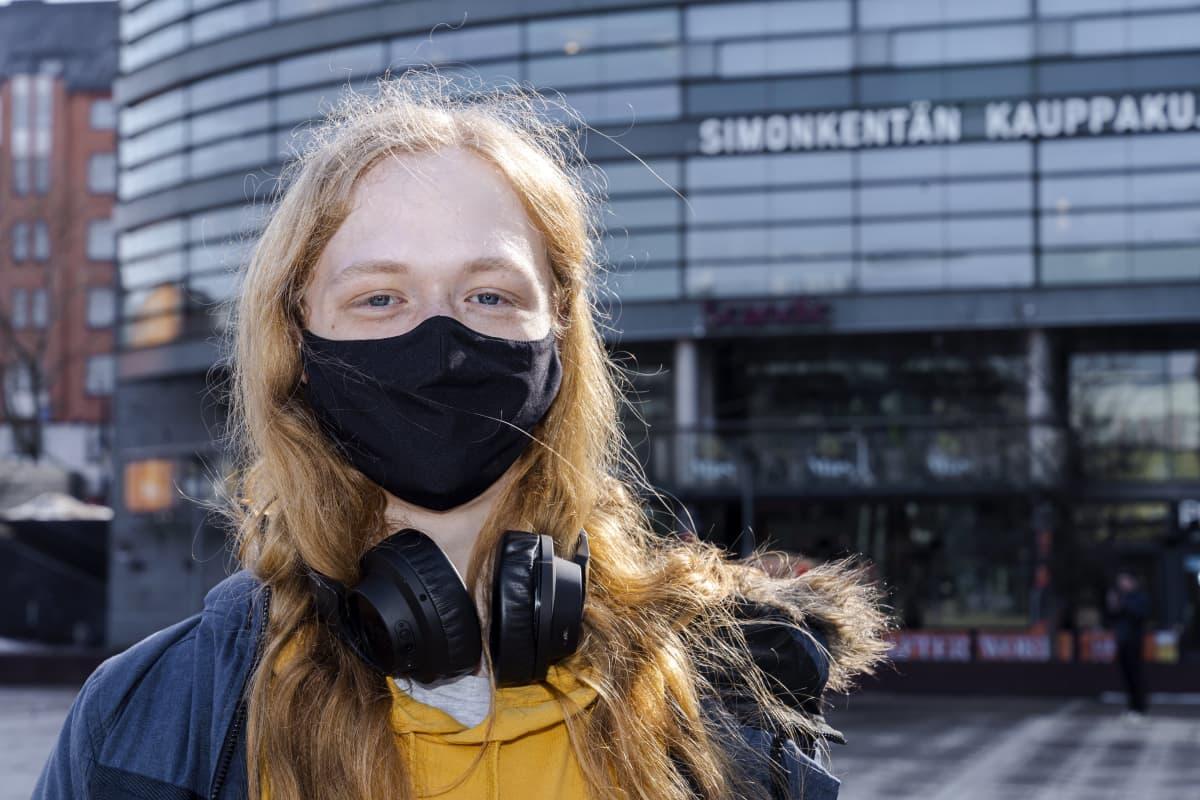 Luka Jääskeläinen, opiskelija, 17 v.