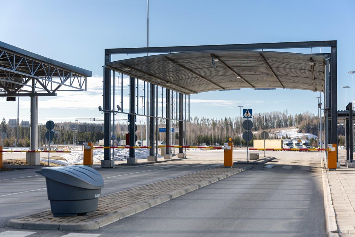 Portit kiinni Nuijamaan raja-asemalla.