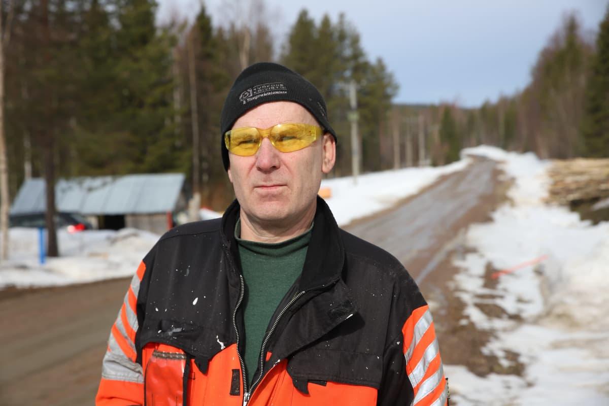 Timo Mäntyranta harmittelee Jolangintien huonoa kuntoa