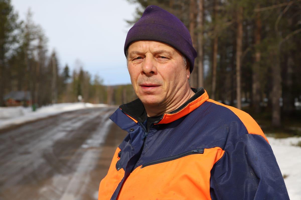 Tuomo Tirroniemi asuu Jolangintien varrella