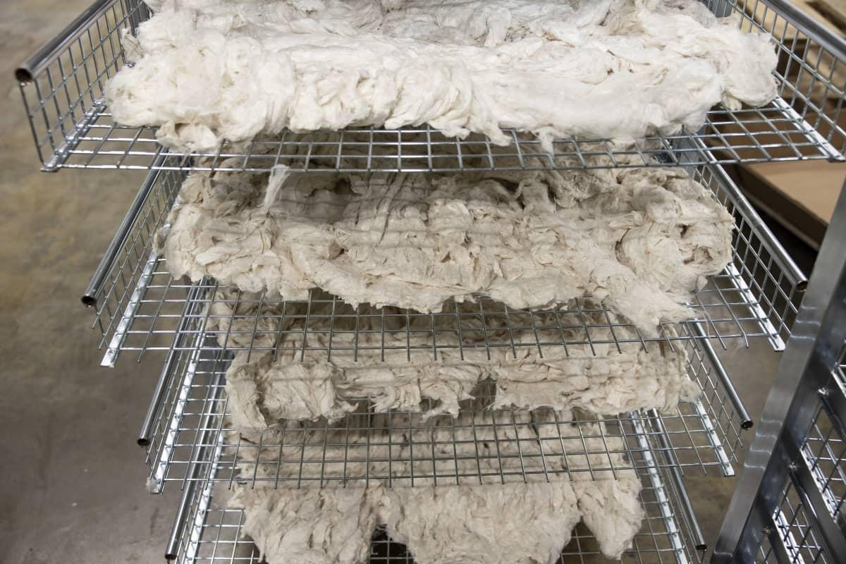 Tekstiilien kemiallinen kierrätys  Vtt bioruukki, valmis tekstiilikuitu