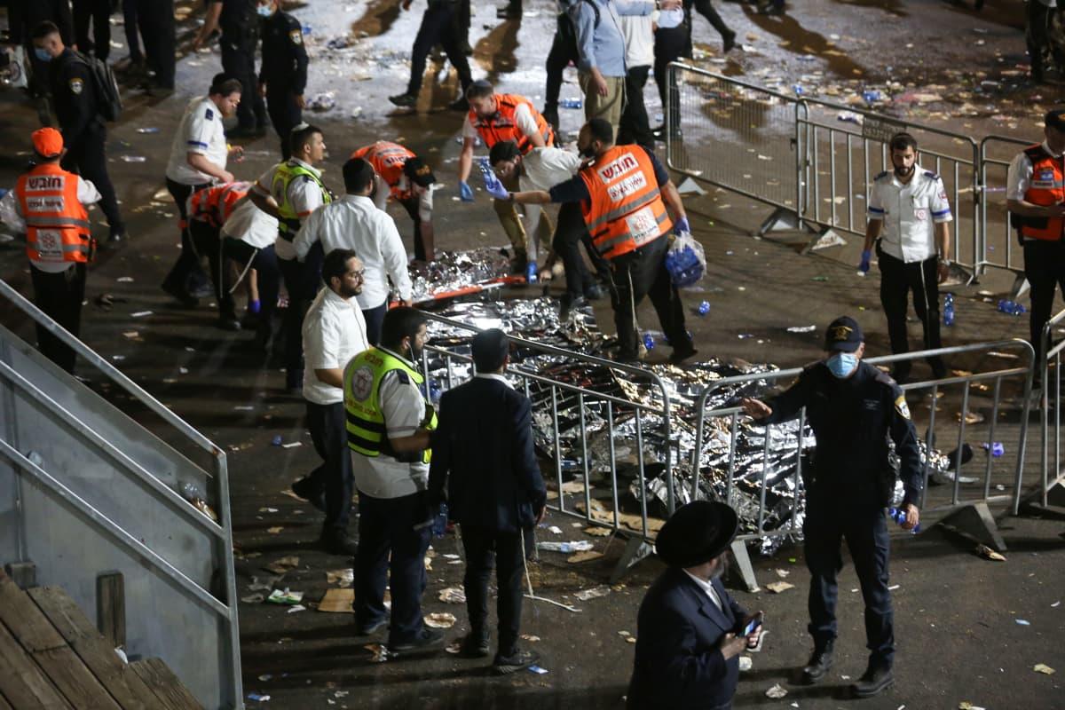 Israelissa kymmenien ihmisten kerrotaan kuolleen tungoksessa juutalaisten uskonnollisessa tapahtumassa.