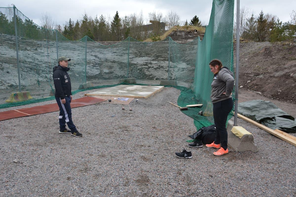 Silja Kosonen harjoittelee Raisiossa.
