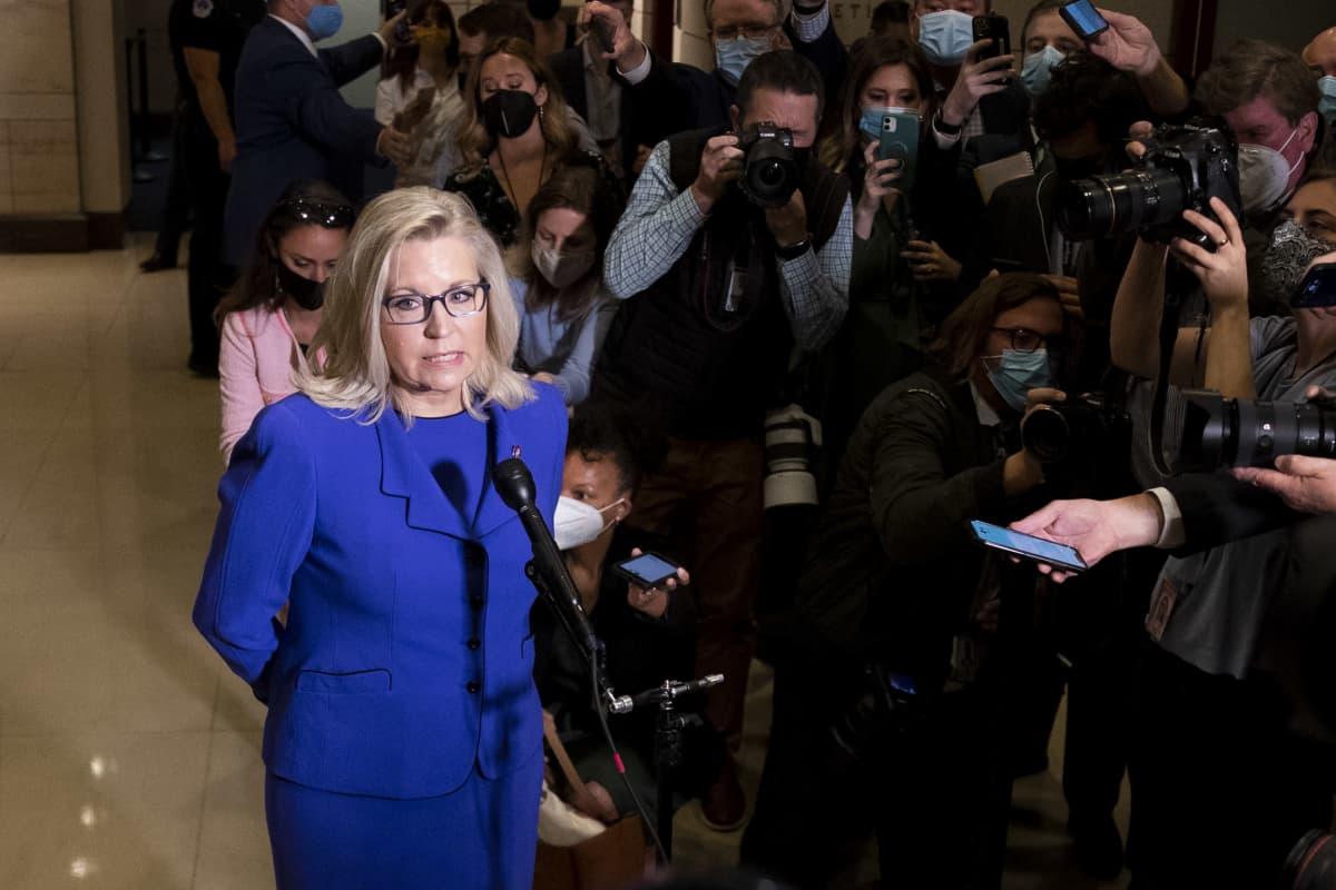 Wyomingia edustava edustajainhuoneen jäsen Liz Cheney puhui medialle sen jälkeen, kun hänet oli syrjäytetty puolueen johtotehtävistä.